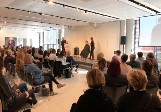 FARB SEMINARE LOREALACADEMY DUESSELDORF D MACHTS GROUP