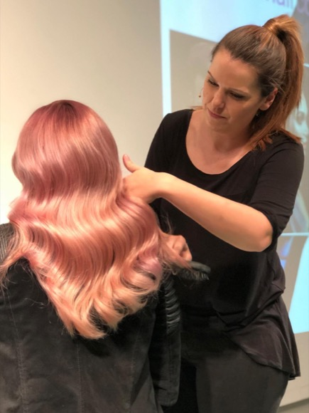 FRISEUR KREATIVE STYLING SEMINAR D MACHTS GROUP