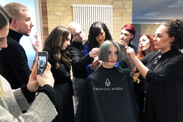 TOP FRISEUR FRISEURSALON D MACHTS GROUP BERLIN