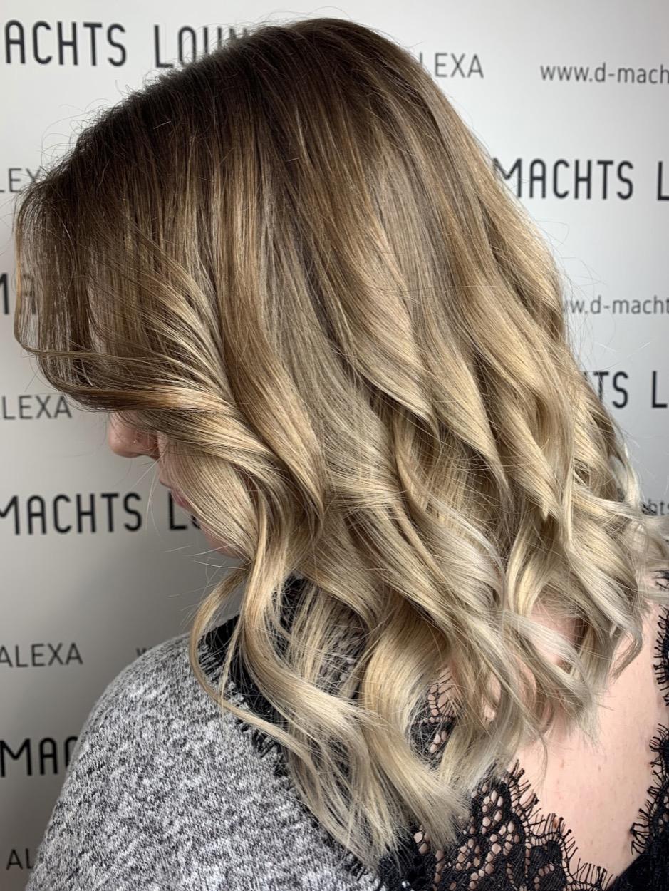 Dunklen bilder mit blond strähnen Die 50