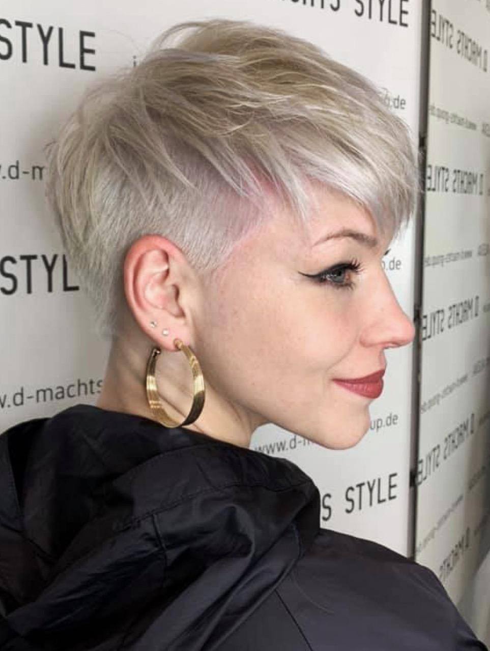 Frauen blond kurzhaarschnitt Kurze Haare