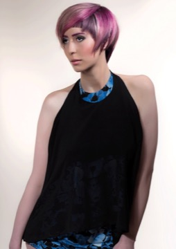 PINK HAIR PURPURE BOB CUT COLOR