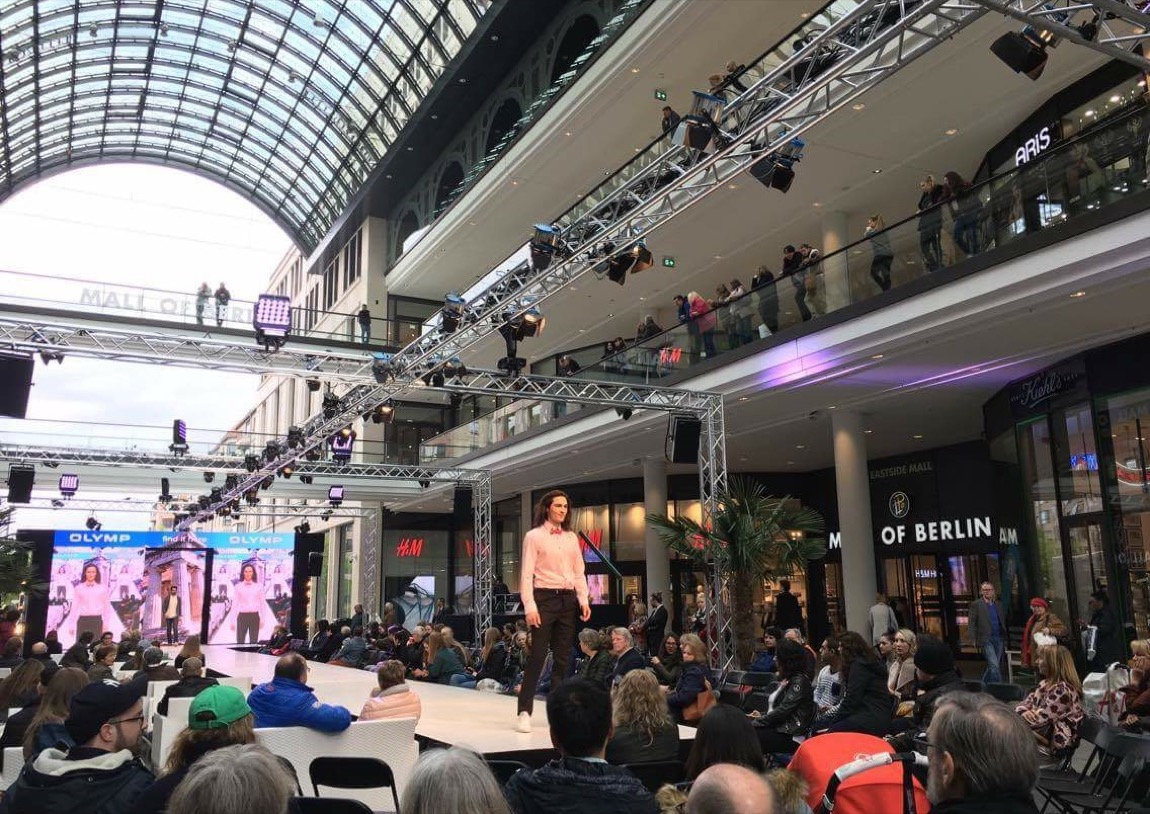 mall of berlin lp12 hair fashion show aktuelle trends. Black Bedroom Furniture Sets. Home Design Ideas