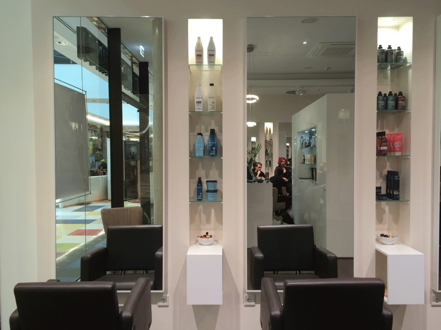 MALL OF BERLIN REDKEN LOREAL GOLDWELL FRISEUR
